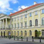 カジミェシュ宮殿 ショパンが7歳から17歳までのあいだ住んでいた。 Bartosz MORĄG - 投稿者自身による作品, CC 表示-継承 3.0, https://commons.wikimedia.org/w/index.php?curid=30292669による