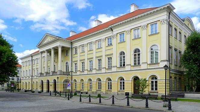 カジミェシュ宮殿 ショパンが7歳から17歳までのあいだ住んでいた。