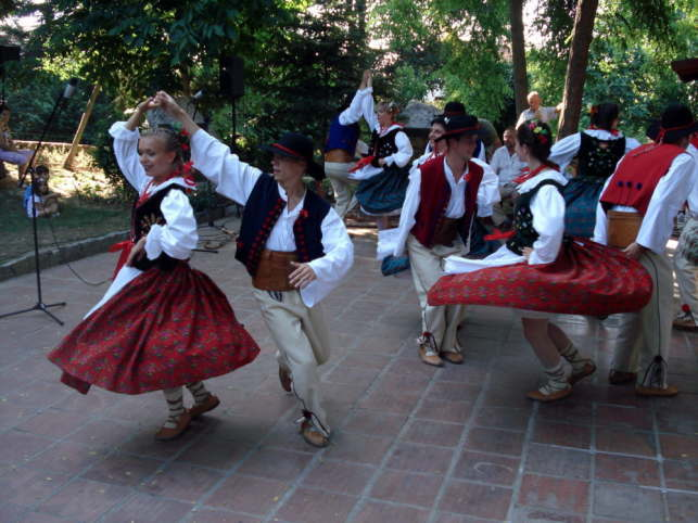 ポーランドの民族衣装と踊り2007年撮影
